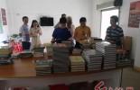 邱国光将军后代情系上杭家乡捐赠书籍