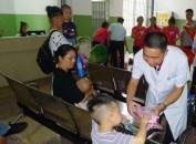 龙岩人民医院领导慰问住院及就诊患儿