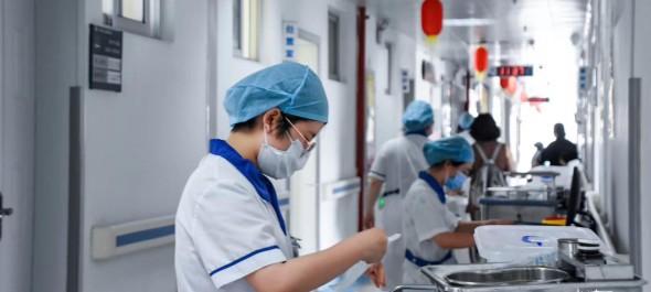 龙岩人民医院的护士们——平凡的岗位,不平凡的事迹!(摄影/郭宇雄)